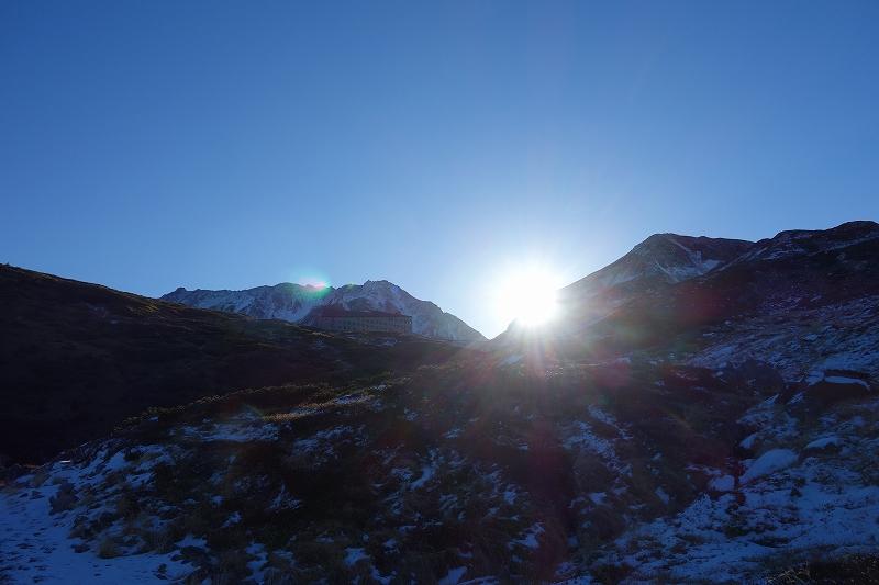 立山の早朝トレッキング_d0116009_8102057.jpg