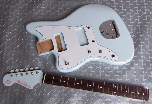 左用「Vintage Sonic BlueのPsychomaster」の塗装が完了!!_e0053731_13504331.jpg