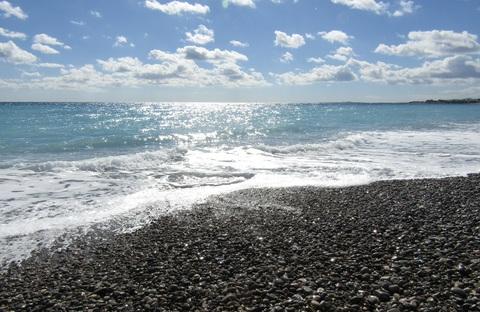 ひとり遊びの海 ( La mer joue toute seule ) …… 。_b0287748_4333318.jpg
