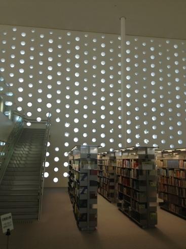 金沢海みらい図書館〜金沢の図書館〜_f0348078_19410132.jpg