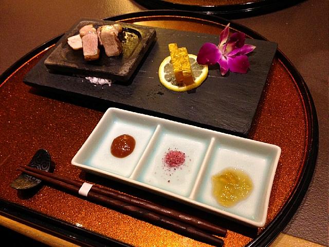 おもろまち(沖縄) 沖縄料理 『花咲酒家 てぃーだ』_d0022799_22415619.jpg