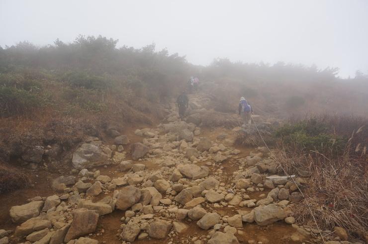 4週連続の安達太良山山行_b0233441_14274866.jpg