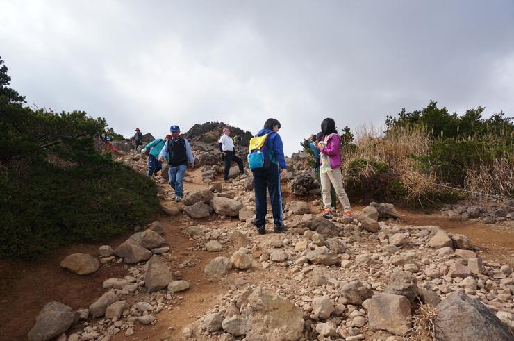 4週連続の安達太良山山行_b0233441_1429132.jpg