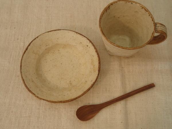 内田京子さんのカップと組み合わせて_b0132442_17531419.jpg