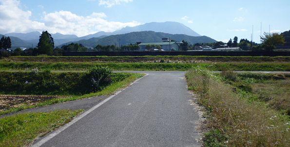 大山道を歩く(坊領道)_b0156456_18254281.jpg