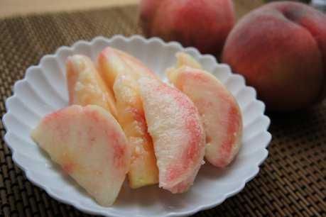桃の季節ですね_d0339678_12382972.jpg