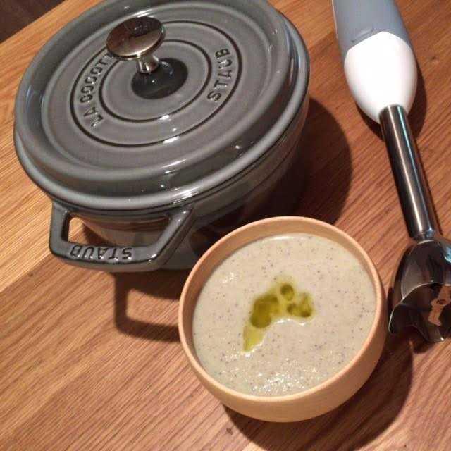 はじめて自分用の鍋買いました♪Staub ストウブ ココット・ラウンド 20cm_d0339885_12551682.jpg