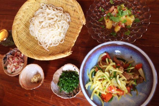 夫が作ったブランチ:美生柑と真鯛のミントサラダ_d0339885_12553944.jpg