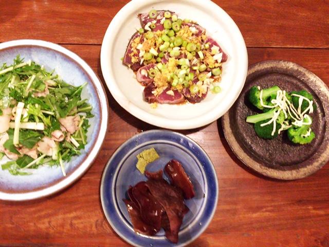 夫が作った晩御飯:カツオのタタキ_d0339885_12560471.jpg