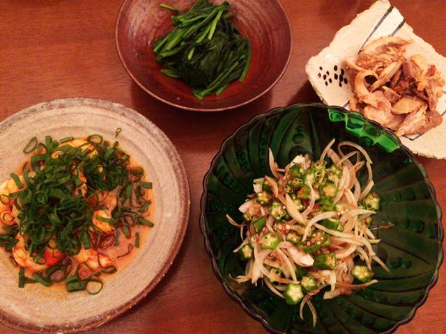 夫が作った晩御飯:海老のグリル、スイートチリソース添え_d0339885_12561433.jpg