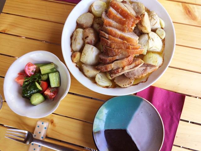 夫が作ったブランチ:豚肉と野菜のオーブン焼き_d0339885_12561500.jpg