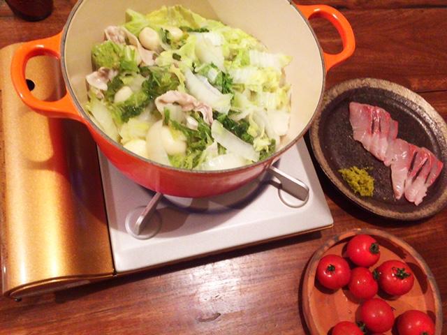 夫が作った晩御飯:ニンニク鍋_d0339885_12561972.jpg