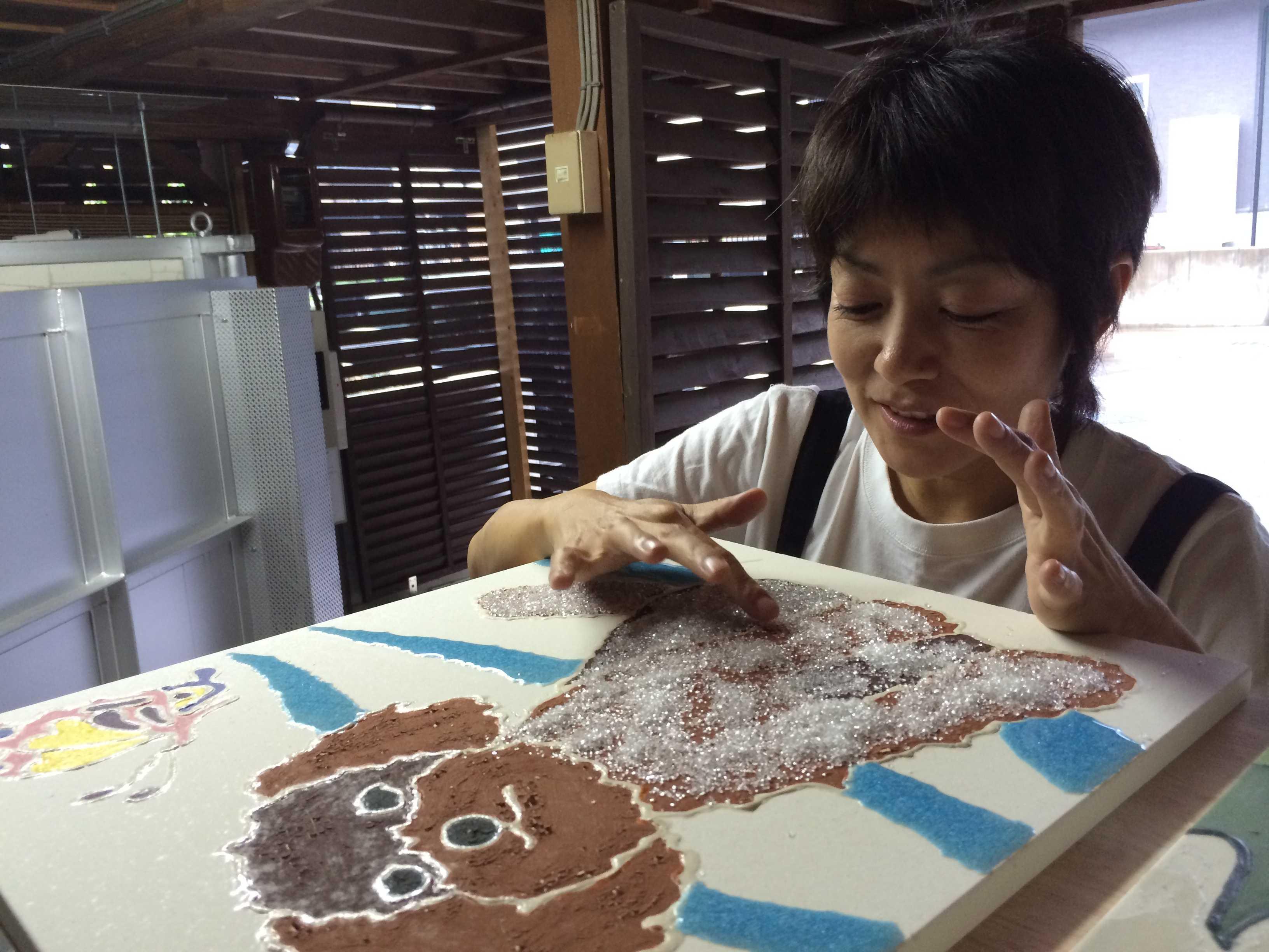 「色を超えた色、形を超えた形」私も陶画家としてそれを目指したいな_d0339885_12564113.jpg