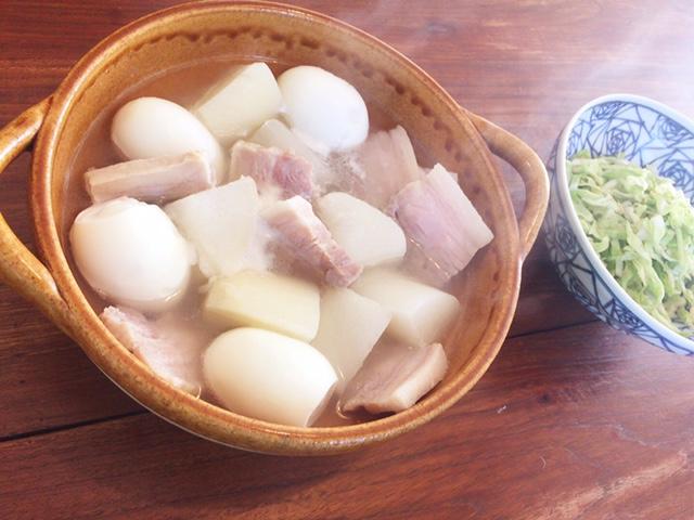 夫が作ったブランチ:大根と塩豚の煮物_d0339885_12571928.jpg