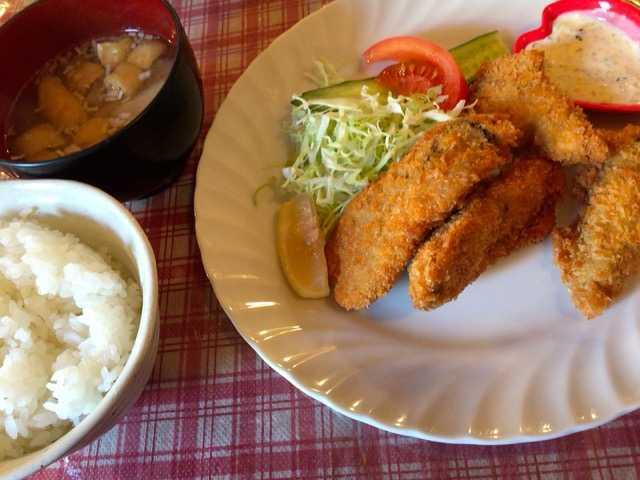 アットホームでいい感じ♪ごはんと味噌汁がついた洋食屋さん:せきぐち亭_d0339885_12572789.jpg