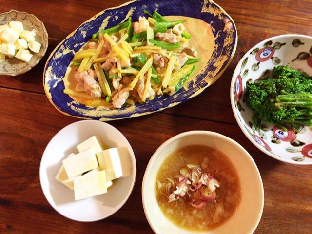 昨日の夫が作った晩御飯:ジャガイモとピーマン鶏肉の炒め物_d0339885_12573223.jpg