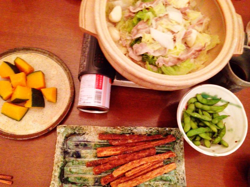 夫が作った晩御飯:ニンニク鍋_d0339885_12590778.jpg