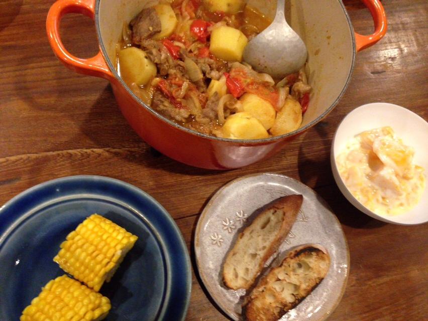 夫が作ったブランチ:羊肉のトマト煮込み_d0339885_12591943.jpg
