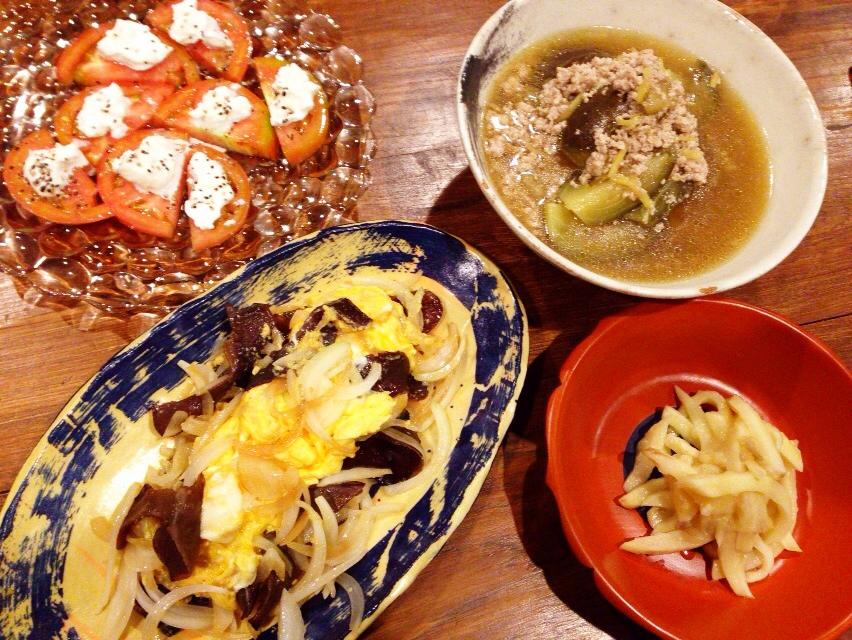 夫が作った晩御飯:キクラゲと卵の炒め物_d0339885_12592364.jpg