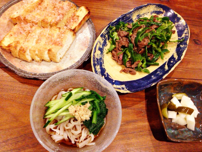 夫が作ったブランチ:牛肉とピーマンの炒め物_d0339885_13000810.jpg