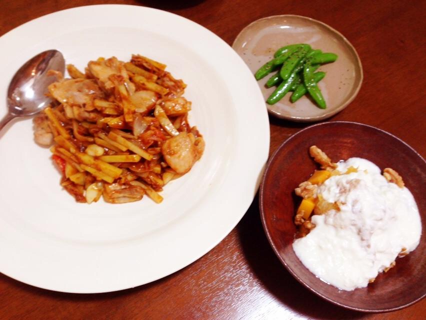 夫が作ったブランチ:鶏とジャガイモのカレー炒め_d0339885_13002795.jpg
