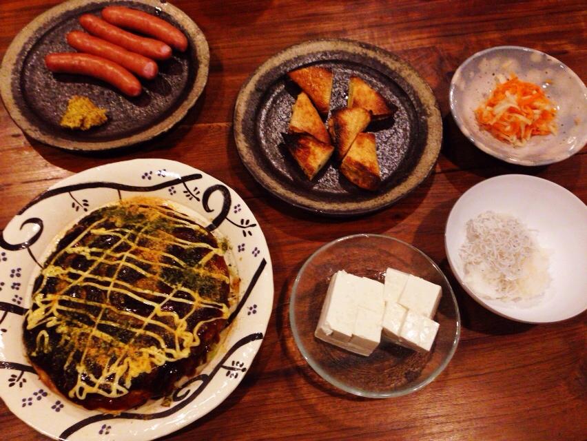 夫が作った晩御飯:キャベツと卵のお好み焼き風新バージョン_d0339885_13003839.jpg