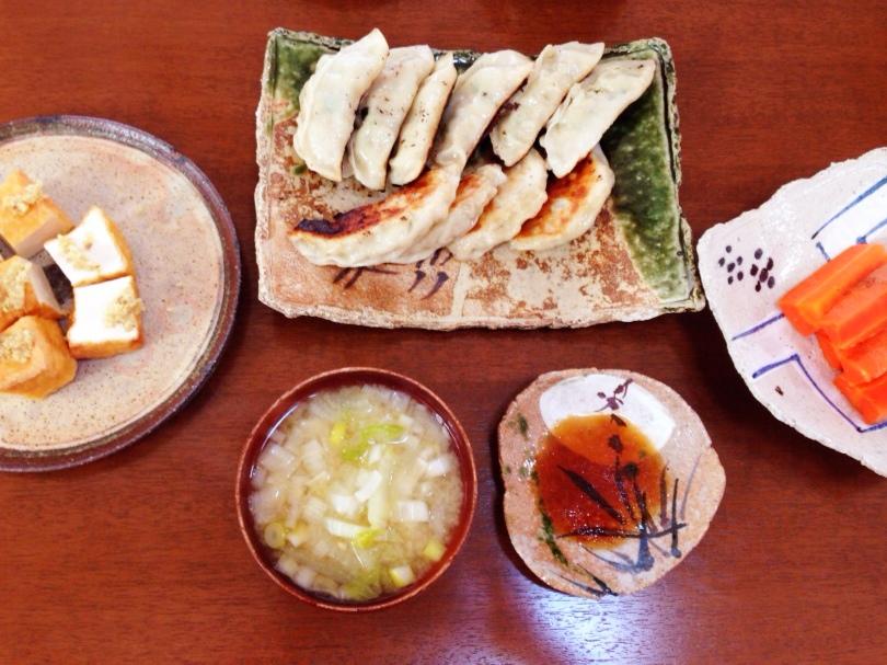 夫が作ったブランチ:白菜のお味噌汁_d0339885_13013914.jpg