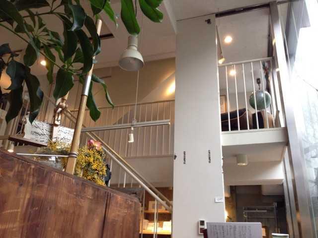 おいしい珈琲と本を楽しめる吹き抜けのカフェ:ヘイデンブックス@南青山_d0339885_13014348.jpg