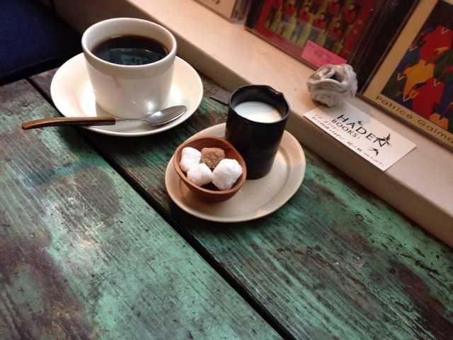 おいしい珈琲と本を楽しめる吹き抜けのカフェ:ヘイデンブックス@南青山_d0339885_13014379.jpg
