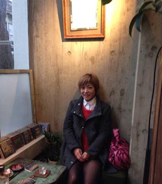 おいしい珈琲と本を楽しめる吹き抜けのカフェ:ヘイデンブックス@南青山_d0339885_13014490.jpg