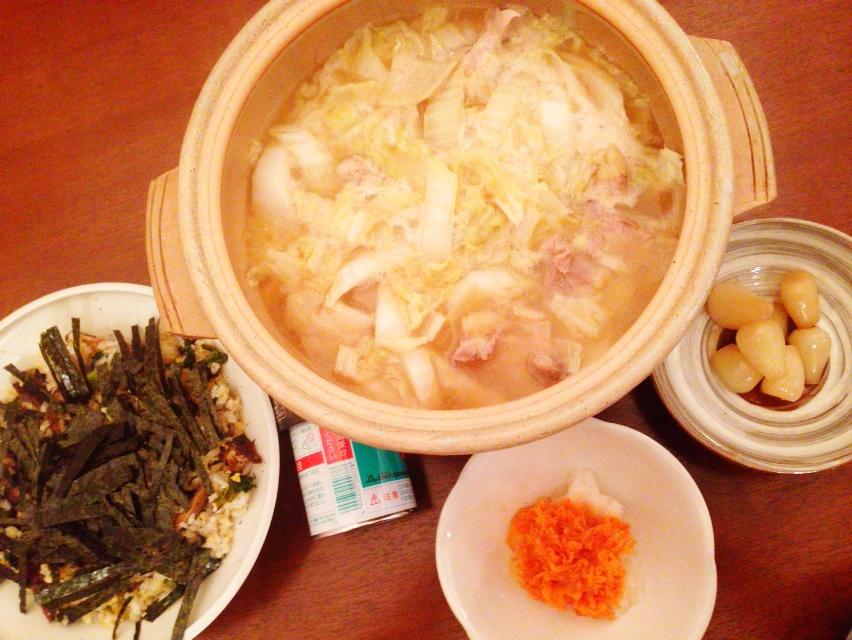 夫が作った晩御飯:鶏と白菜の味噌風味鍋_d0339885_13020684.jpg