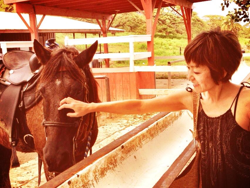 馬と戯れてます_d0339885_13022132.jpg
