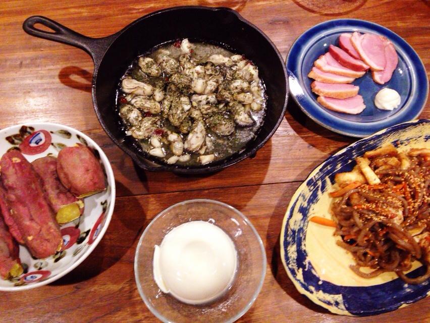 夫が作った晩御飯:牡蠣のアヒージョ_d0339885_13031224.jpg
