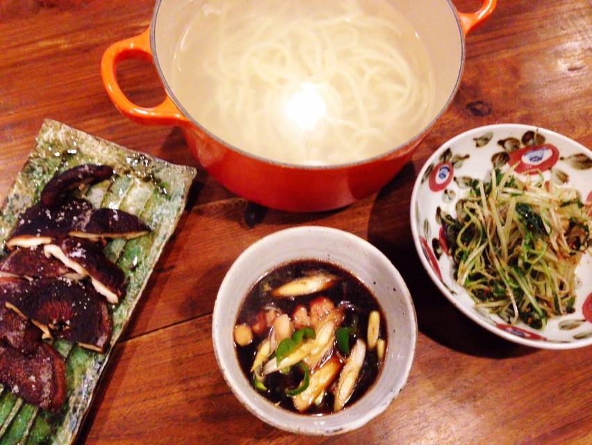 夫が作ったブランチ:水菜のナムル風_d0339885_13031384.jpg