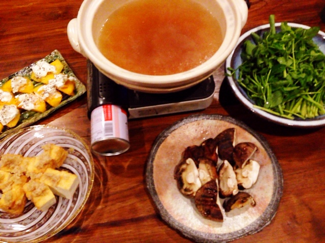 夫が作った晩御飯:セリの鍋_d0339885_13034779.jpg