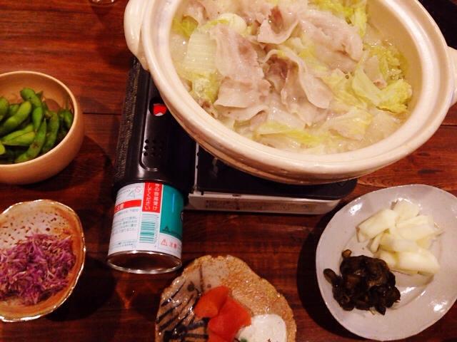 夫が作った晩御飯:菊のおひたし_d0339885_13040493.jpg