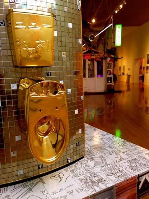 香川の丸亀市猪熊弦一郎現代美術館で大竹伸朗展 ニューニュー_d0339885_13041318.jpg