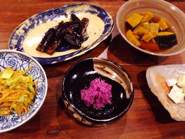 夫が作った晩御飯:菊の酢の物_d0339885_13042383.jpg