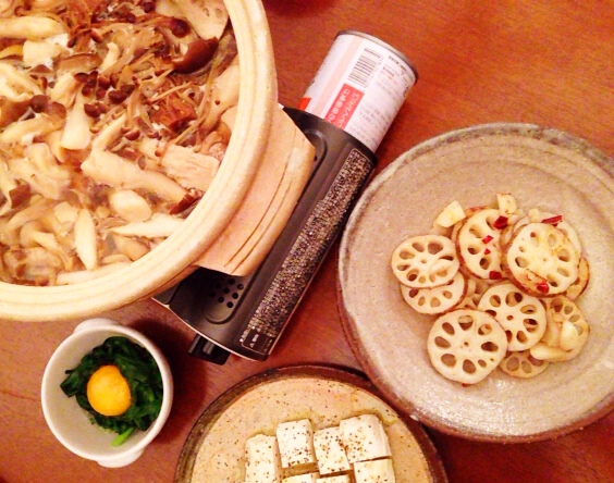 夫が作った晩御飯:きのこ鍋_d0339885_13043229.jpg