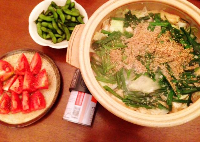 夫が作った晩御飯:塩麹鶏鍋?_d0339885_13043459.jpg