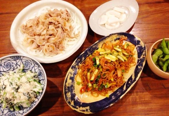 夫が作った晩ご飯:キムチ焼きそば_d0339885_13044977.jpg