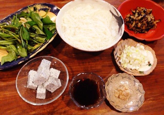 夫が作ったブランチ:空芯菜の炒め物_d0339885_13050228.jpg