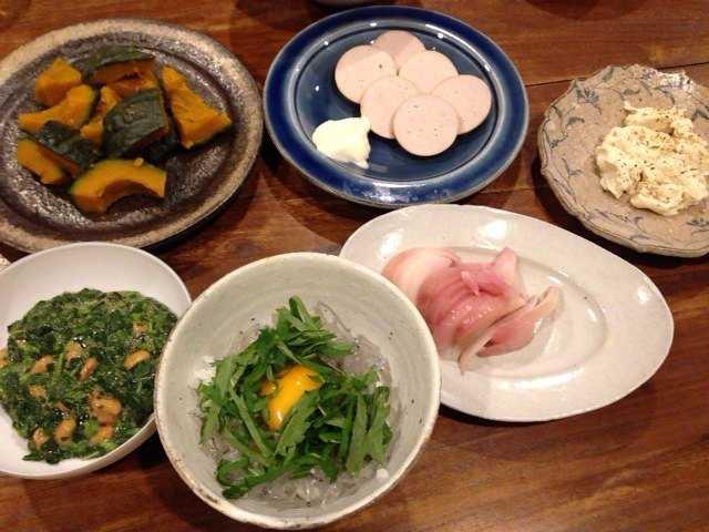 昨日の夫が作った晩ご飯:生しらす丼_d0339885_13050256.jpg