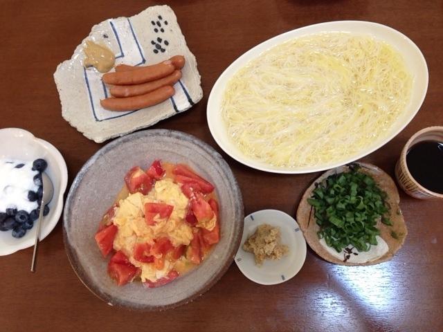 夫が作ったブランチ:トマトと卵の炒め物_d0339885_13051419.jpeg