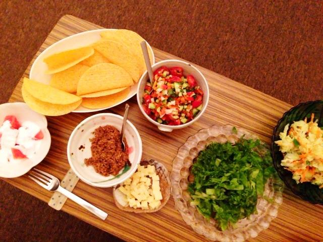 夫が作った晩ご飯:タコス_d0339885_13052056.jpg