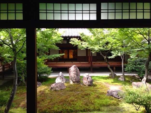 建仁寺で双龍図を見て、お隣の両足院で半夏生を眺める:京都にて_d0339885_13055336.jpg