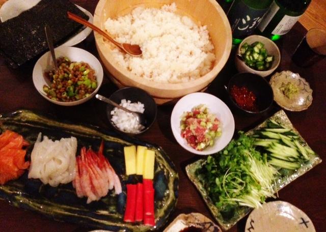 夫が作った晩ご飯:手巻き寿司_d0339885_13072774.jpg