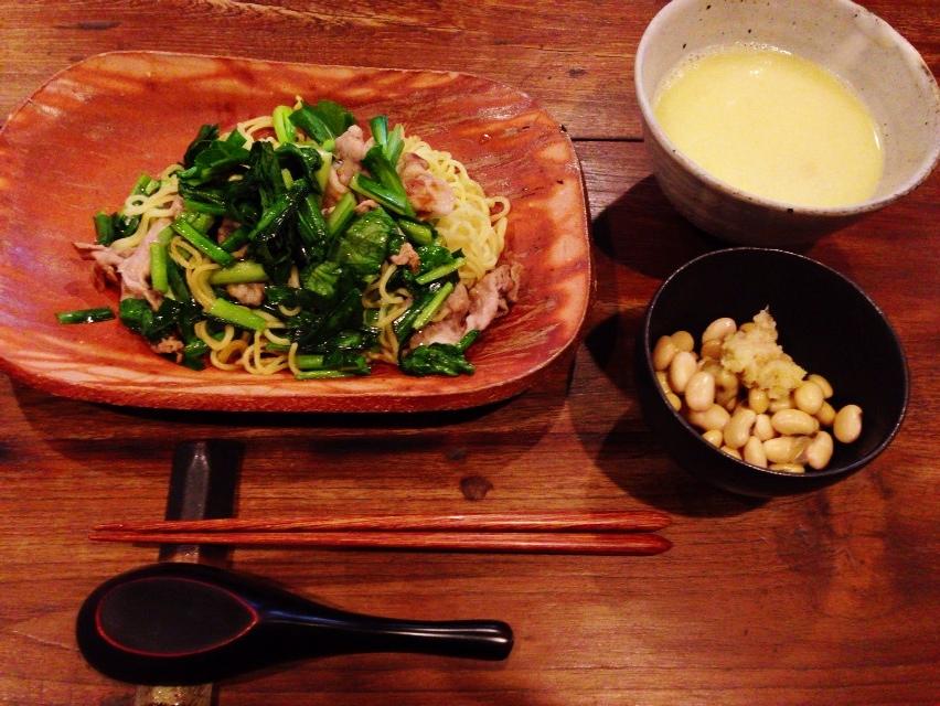 夫が作ったブランチ:茹で大豆&茹で汁のスープ_d0339885_13073791.jpg