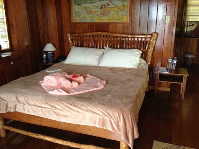 パラオの8部屋しか無い素朴なリゾートホテル:キャロラインズ リゾート_d0339885_13075160.jpg
