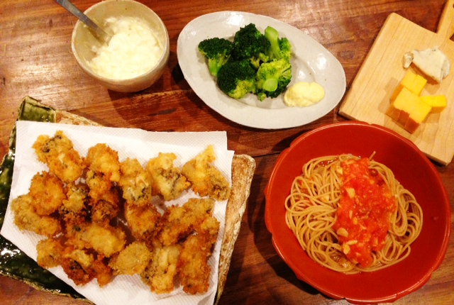 夫が作った晩ご飯:自家製タルタルソースで牡蠣フライ_d0339885_13080124.jpg